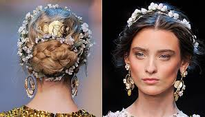 How new hair accessories for monsoon can make you stylish? 3