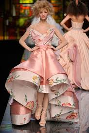 Master of fashion world -John Galliano 3